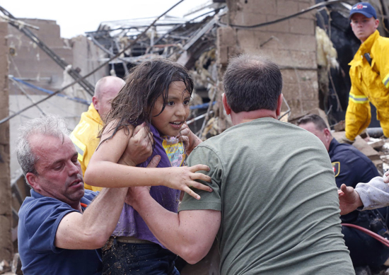Girl-Rescued-From Rubble Okl