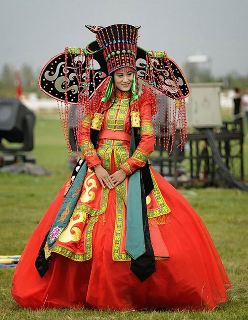 Mongolian Weddingdress