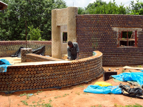 Nigerians-Are-Building-Fireproof-Bulletproof-And-Eco-Friendly-Homes-With-Plastic-Bottles-And-Mud