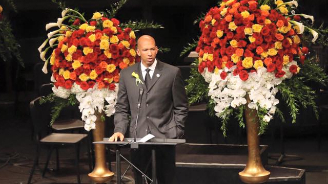 Montywilliams Funeral Of His Wife-1
