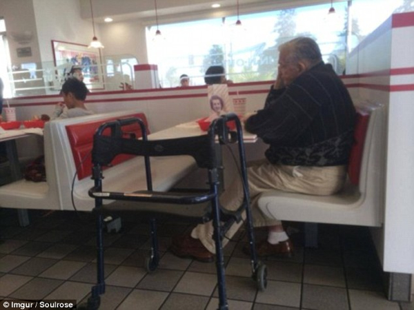 Widower Dines Out With Photo Dead Wife
